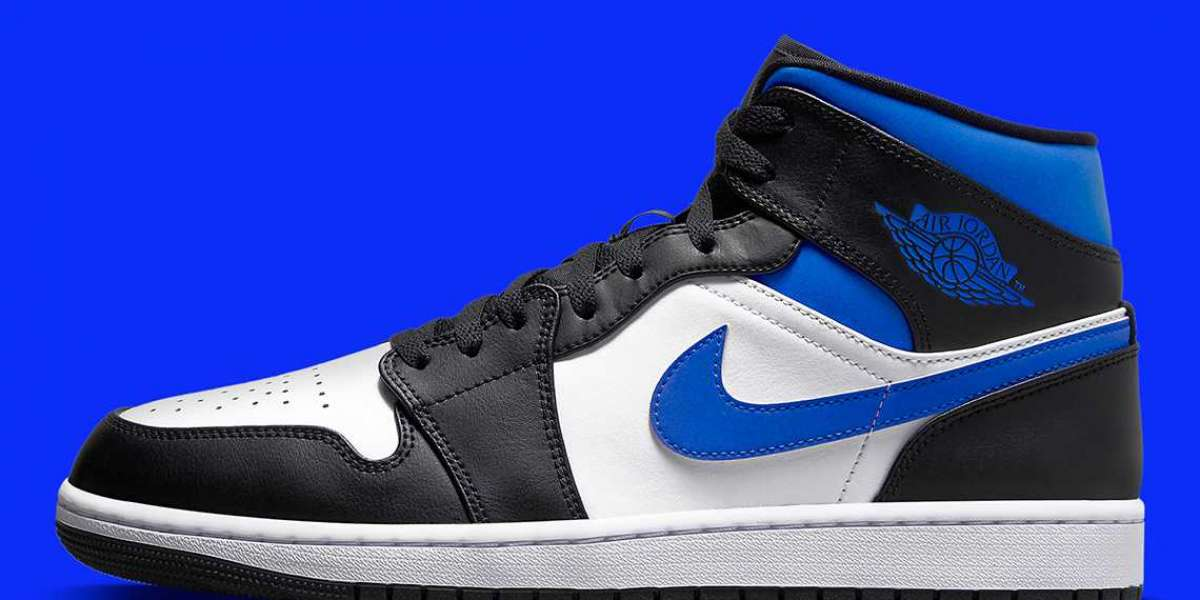 "554724-140 Air Jordan 1 Mid mixes the classic ""Royal"" look"